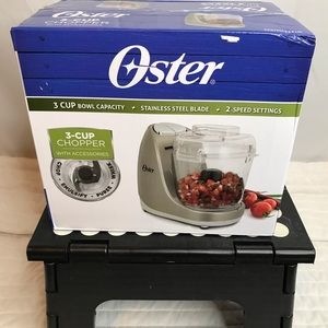 Oster mini chopper with whisk